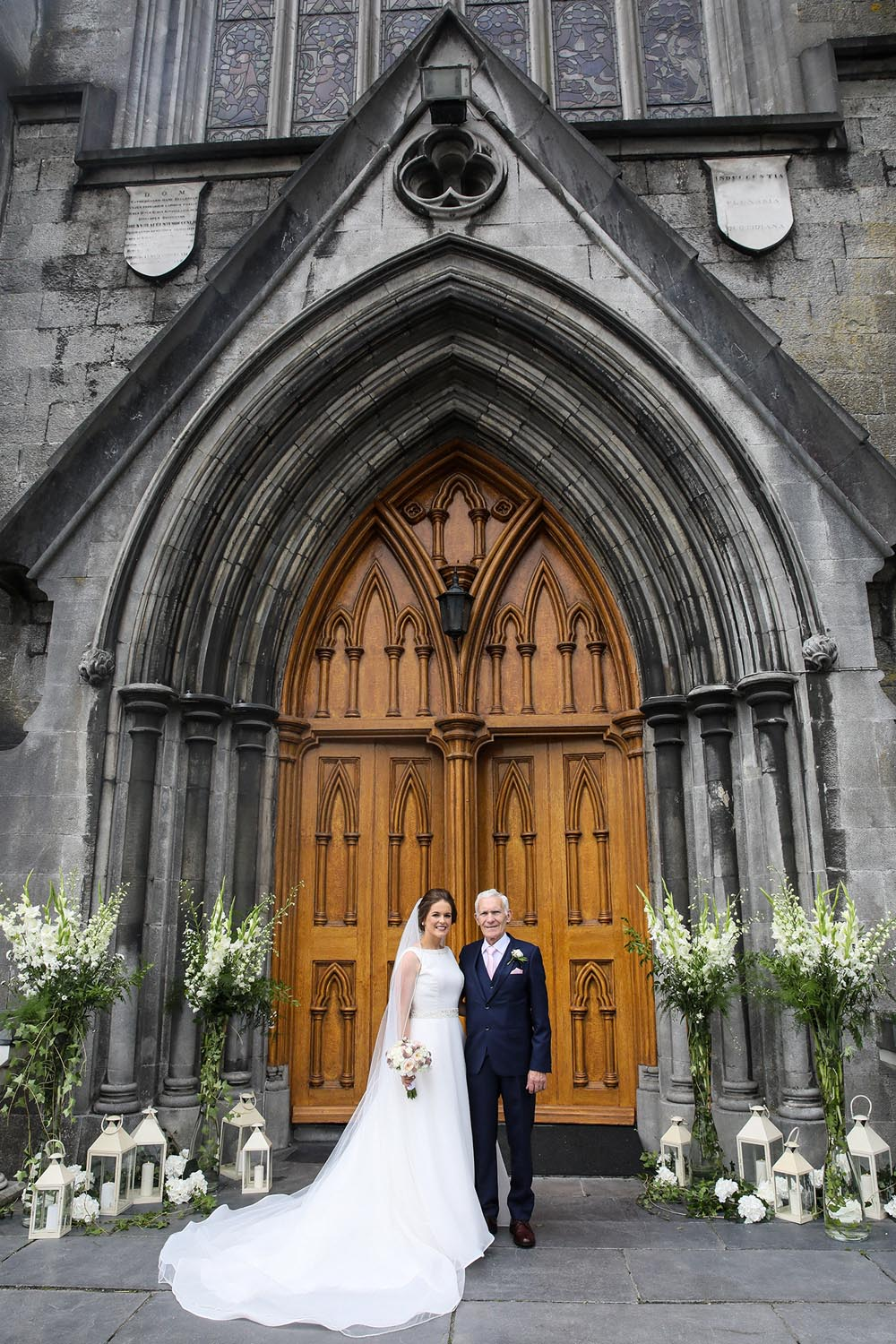 Bride and her father outside Kilkenny Cathedral
