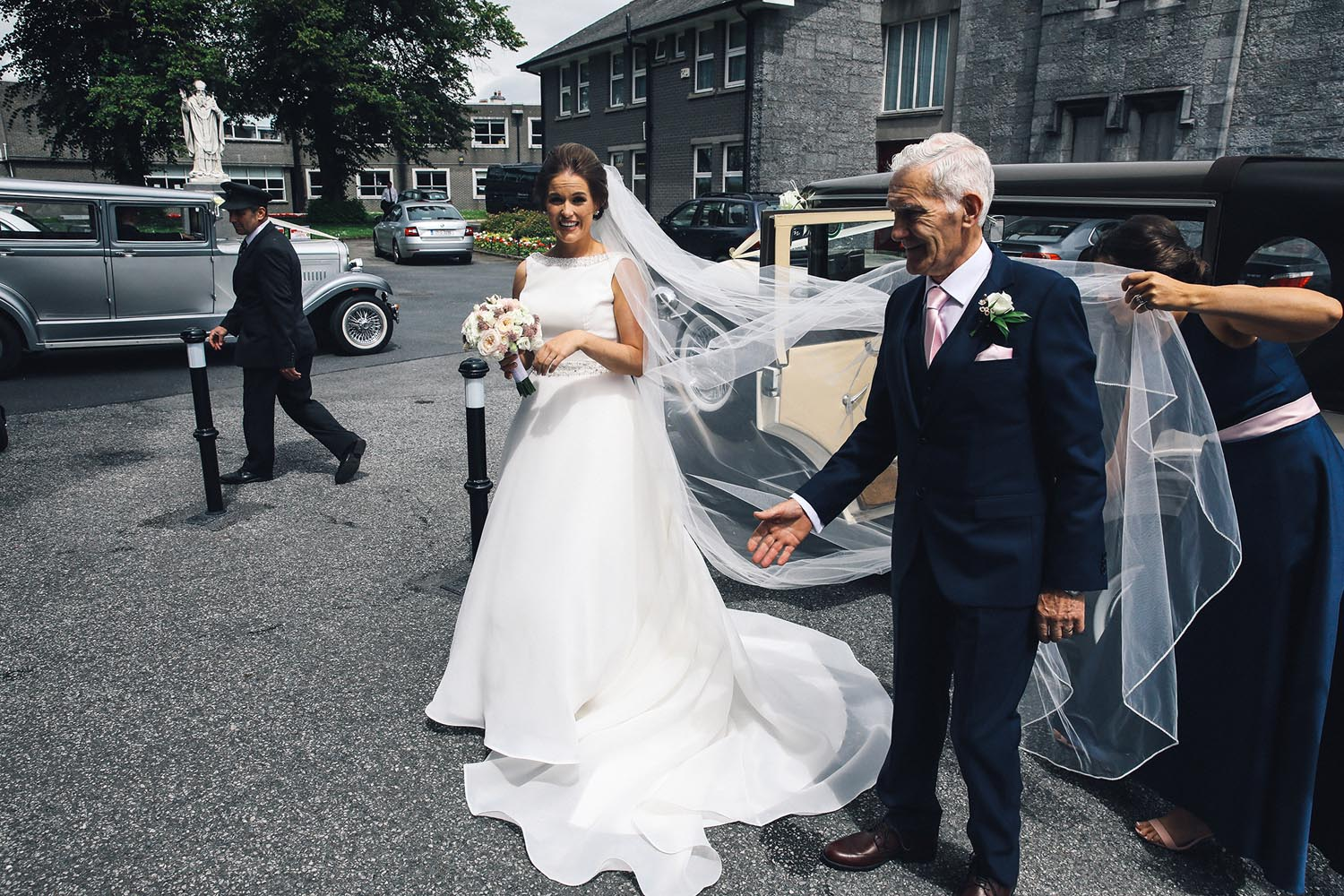 Bride and her father at Kilkenny Cathedral